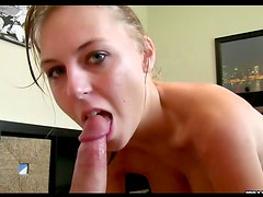 Teenager banged in the bald pussy