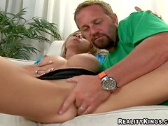 Always horny experienced fucker manages to seduce hot good looking