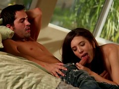 Sexy brunette Zarena Summers is a pro with a cock in her mouth