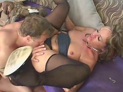 Rapacious fucker sucks tasty clit of sizzling mom Kelly Leigh