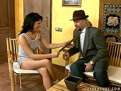 Maya Bee gets her snatch fucked and covered with cum