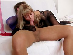 Buxom slut in pantyhose Bella Anne provides a dick with a deepthroat
