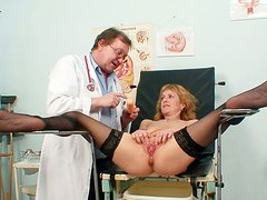Flexible pale blondie Nora gets both her anus and cunt polished at hospital