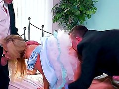 Sleeping beauty named Tasha Reign is going to be shared between two glorious fuckers
