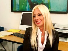 Alluring blondie Jessie Volt welcomes huge dick into her mouth