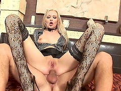 Amazingly exciting babe Logan in hot lace