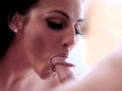 Professional blowlerina with pretty face sucks a dick passionately for sperm