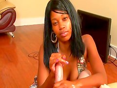 Amazing ebony in wild handjob session