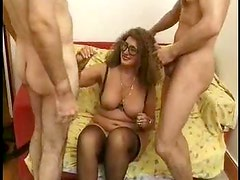 Chubby stockings milf in glasses does a DP