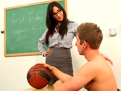 Bad teacher Diana Prince gives her student a blowjob