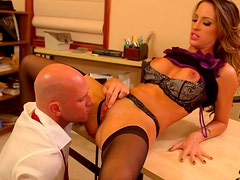 Attractive office assistant Kortney Kane polishes her boss' cock