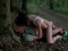 Svelte Russian hussy Yasmine gives a head in the forest