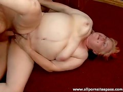 Fat old babe with hairy cunt fucked hardcore