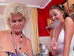 Granny's new lesbian babe Nelly eats her twat