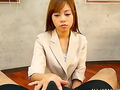 Hadnjob queen yui OOba treats her man so good