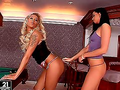 Two horny snooker babes Back Diamond and Larissa are making love