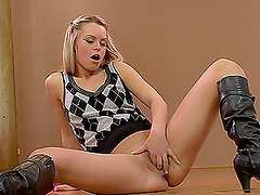 Extravagant Solo Masturbation Session By a Sexy Blonde Babe in Boots