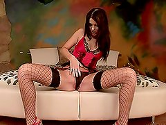 Dildo & Speculum Insetion Video with Brunette chick
