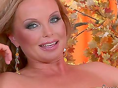 Silvia Saint toys her tight pussy with big dildo