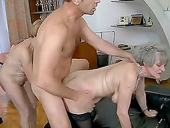 Teen babe and two grannies compete in a blowjob battle