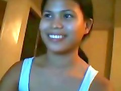 Homemade video of a Thai girl flashing her body for the webcam