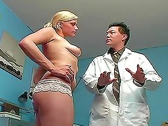 Doctor cures his blonde patient with hot pussy licking