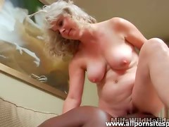 Black cock gets hard thanks to mature