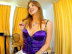 Wonderful babe Sunny likes sticky cummy in her mouth