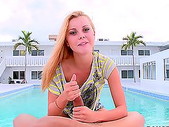 Jessie Rogers Gives Great Head