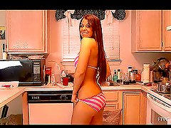 Horny girl Mira tries on her new bikini and shows her goods