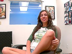 Cutie Seduces Her Married Boss