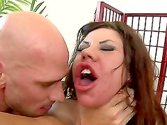 Juicy Babe Mason Moore Gets Drilled By the Great Johnny Sins