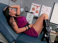 Stud Goes To Doctor & Leaves With Well Worked Wang