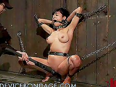 Tough Babe Gets Tortured in the Dungeons