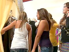 Bunch of Girls Watch a Brunette Babe Sucking Cock In Real Time