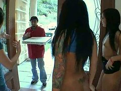 Hungry for cock sluts Ashli Orion, London Keyes and Mason Moore fuck a pizza delivery guy