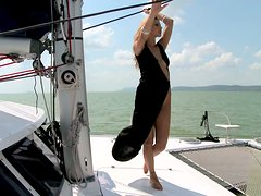 Radiating beauty Cindy Hope gets her pussy fingered and licked on a yacht