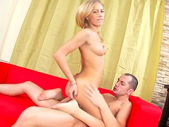 Kelsie S rides her boyfriend and gets her anus gaped