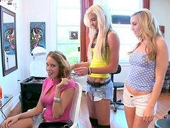 Voluptuous Nikki Brooks wanna induce her horny friends to have a threesome
