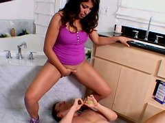 Plump and horny brunette Laurie Vargas sits on the guy's face
