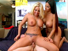 Ava Devine, Britney Amber and Diamond Kitty get involved in orgy