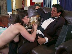 Dirty slut Jennifer White strokes Tommy Gunn's dick intensively and gets poked hard doggy style
