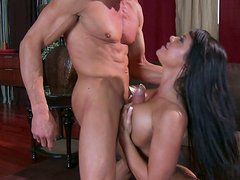 Killer body Savannah Stern fucks Tommy Gunn passionately