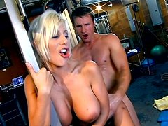 Classic European milf Puma Swede fucks in the gym