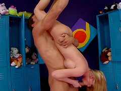Flexible Madison Scott shows tricks while fucking in a locker room