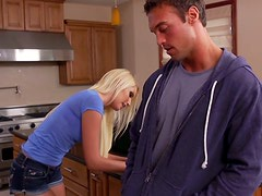 Horny blondie VaVanessa Cagenessa Cage gets poked in the kitchen