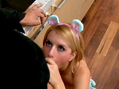 Cocina - Passionate teen Lexi Belle fucking her boyfriend when on the kitchen while parents are not around