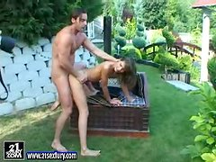 Outdoors Fucking for a Beautiful Chick in Behind the Scenes Footage