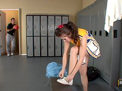 Cute Cheerleader Sucking Teacher´s Big Cock