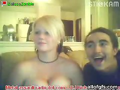 Big Breasted Blonde Playing with Her Funbags in Webcam Show